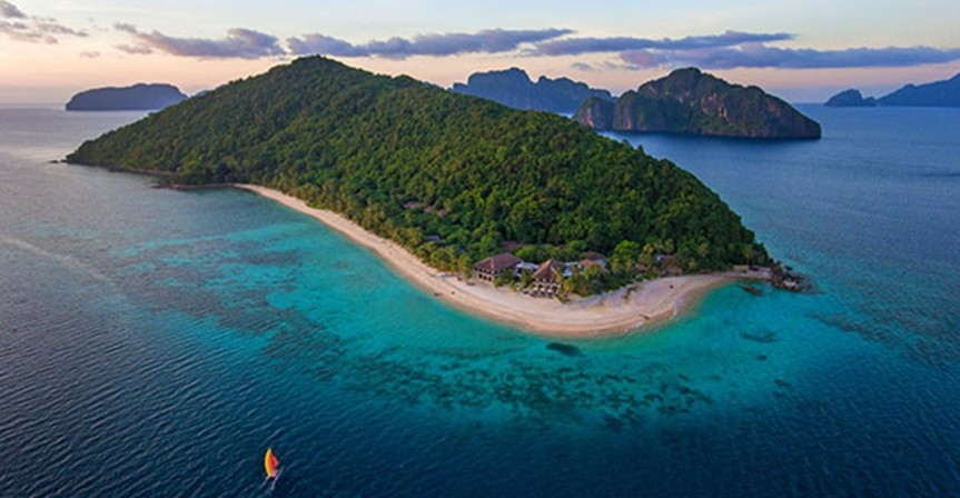El Nido Resorts welcome guests outside Palawan
